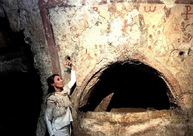 Siracusa, torna la magia delle visite notturne alle catacombe